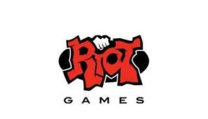 Riot Games公司为英雄联盟打造了首屈一指的游戏电竞平台比赛,新的赛季宣传片里出现了拉克丝英雄和VI英雄的身影
